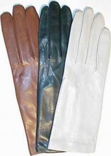 Manusi de piele pentru femei de la S.c. Peloltromex S.r.l.