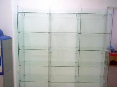 Rafturi de sticla de la Cosmirom Srl