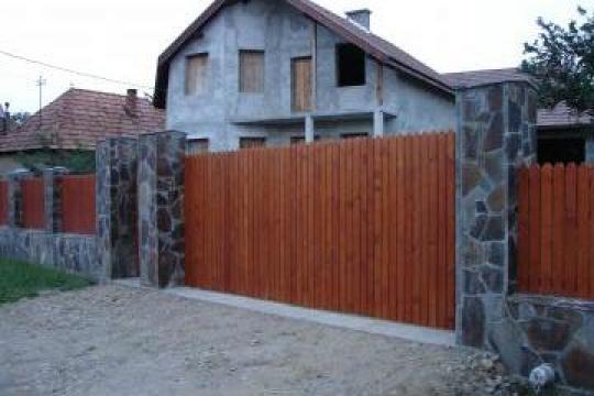 Gard lemn de la Sc Productie Fortunaforest Srl