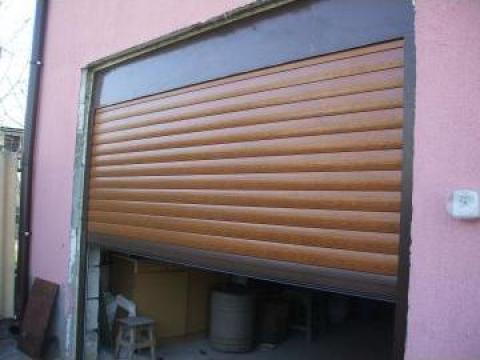 Usi de garaj rulou-actionare manuala -- Constanta de la Gamaterm Design