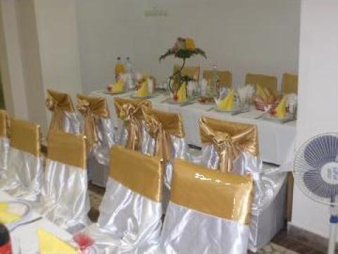 Huse festive satin de la Cristina Events