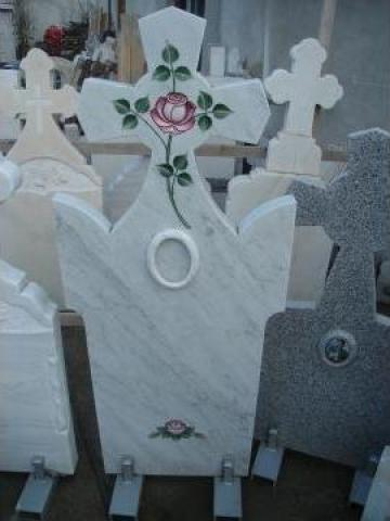 Monument funerar de la Black & White Com