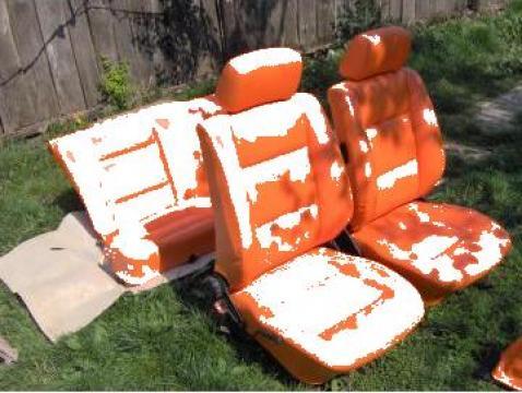 Retapitari scaune cu piele naturala sau imitatie