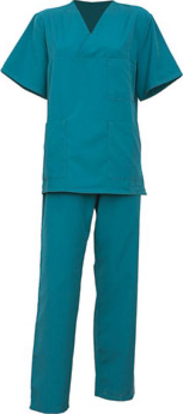 Costum medical de la Arcotex Trade Srl