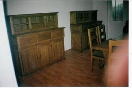 Mic mobilier stejar
