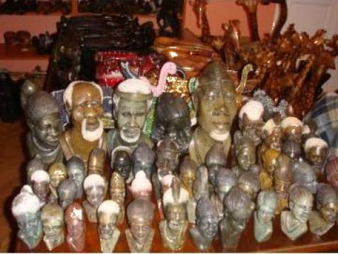 Arta africana, materiale import Africa de la Afroart Import Export Srl