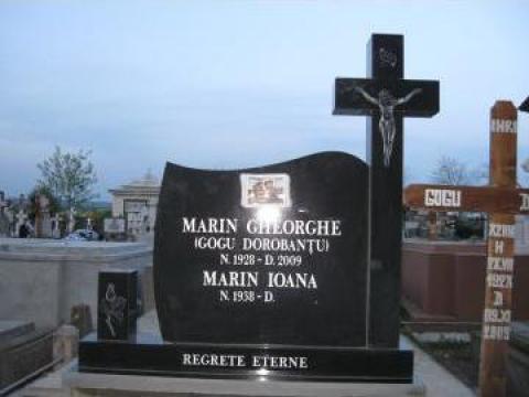 Monumente funerare de la Sc Grani-Marm Srl