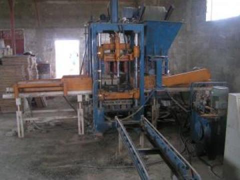 Linie echipament productie pavaj bordura boltari de la Rocadaedil Srl