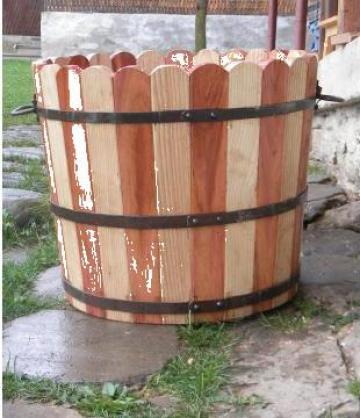 Ghiveci lemn masiv 30 litri de la Pfa Mincu Aurel