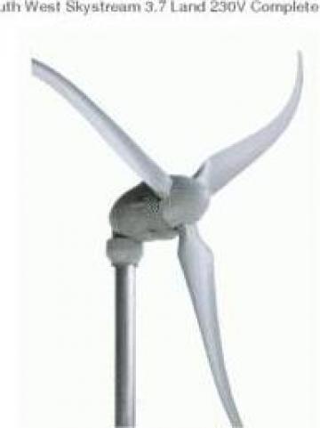 Turbina eoliana Skystream 3.7 de la Ecovolt