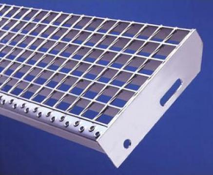 Trepte metalice zincate termic si electroforjate de la Dovexim S.r.l.