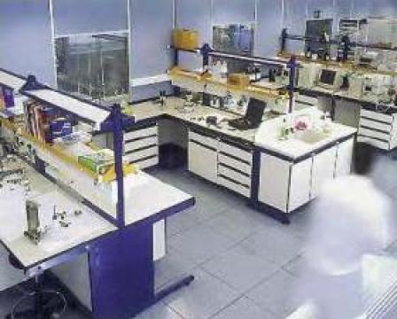 Masa laborator TRDX150 de la Radoxlab Grup Romania