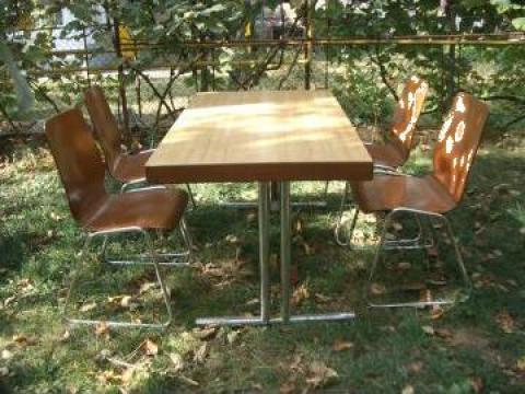 Mese cu 4 scaune de la Solaris Total