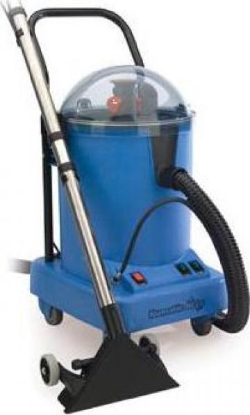 Curatator covoare industrial cu extractie de la Tehnic Clean System