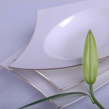 Set farfurii portelan 18 piese de la Porcelain Manufactures Srl