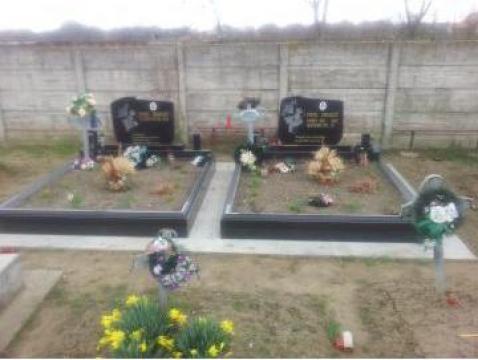 Imprejmuire monument funerar granit negru
