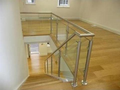 Balustrada inox cu sticla pentru scari interioare