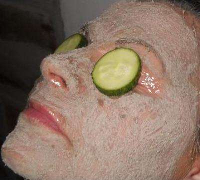 Masti faciale de curatare, hidratare si exfoliere de la Almiftime Srl