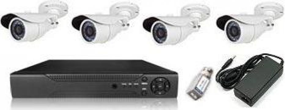 Kit supraveghere video de exterior cu DVR H264 de 4 Canale