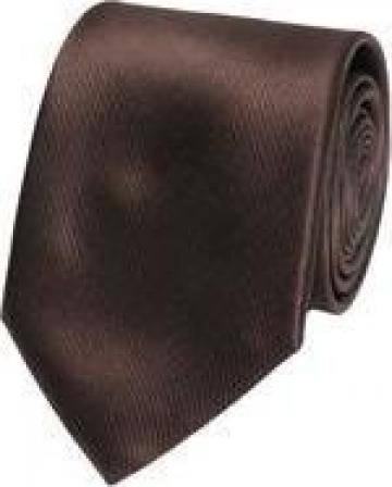 Cravata maro matase lucioasa