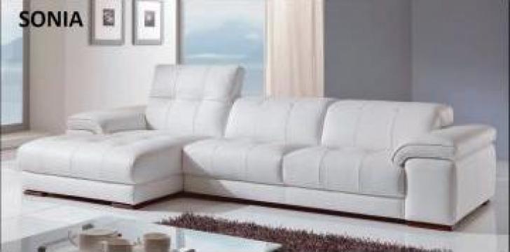 Canapea coltar fix sau extensibil de la Casa Mobilei Srl.