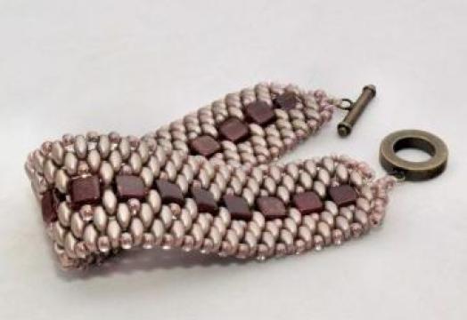 Bratara handmade din margele de sticla Cehia de la Focul Point S.r.l.