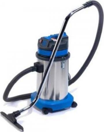 Aspirator industrial de la Clean Water Technologies Srl