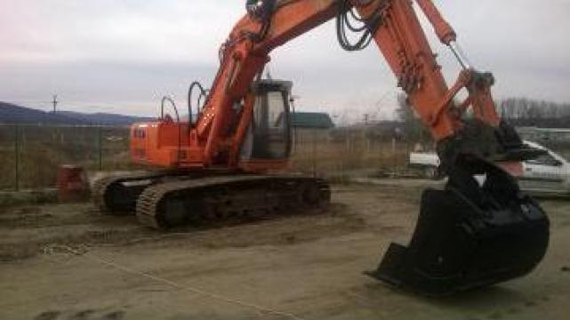 Inchiriere excavator senile de la RentutilSrl