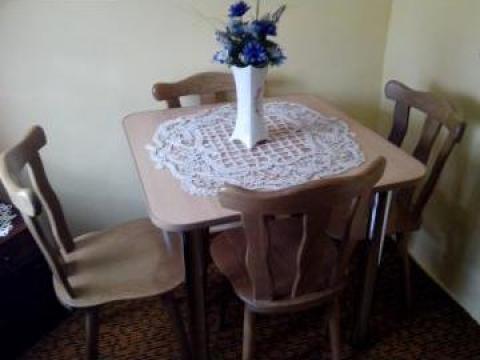 Mese si scaune restaurant de la