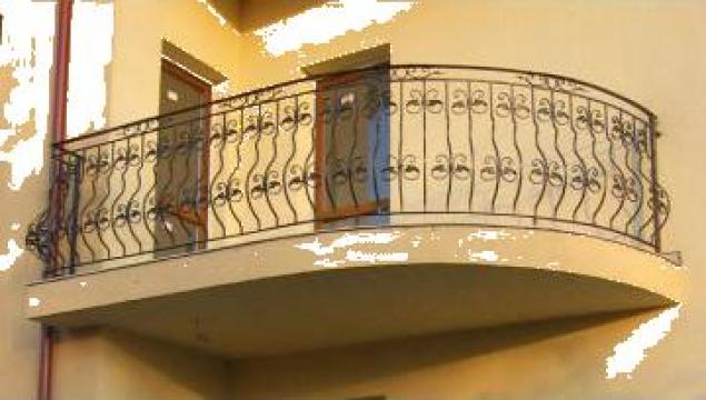 Balcon din fier forjat cu montanti curbati de la Stefiart Design Srl