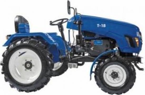 Tractor T18 + 2 accesorii de la Haba Hallenbausatz