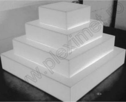 Suport piramida cu 4 nivele pentru prajituri SPEv 9.1 de la Sc Plexi-Met Srl