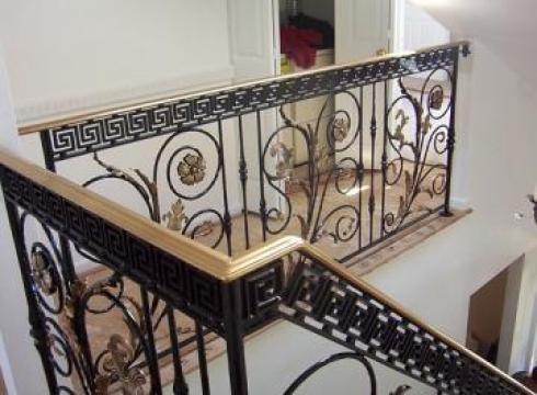 Balustrade din fier forjat pentru scari interioare de la Rollux Construct