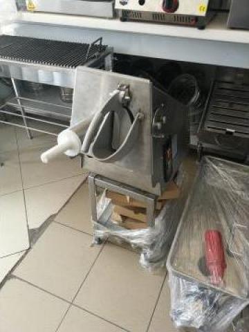Robot profesional de bucatarie de la Azino Utilaje