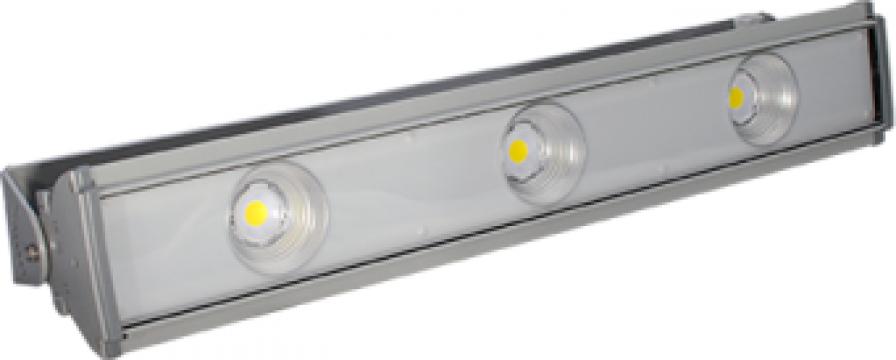 Proiector cu 3 LEDuri 100-150W de la Electrofrane