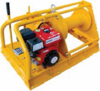 Troliu electric cu motor diesel 3000 Kg