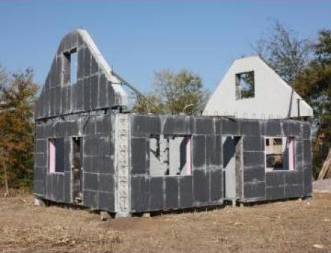 Constructii case la rosu - izolate de la Sc Captiv Concept Srl