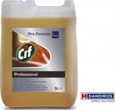 Detergent parchet Cif Profesional Wood Cleaner de la Best Distribution Srl