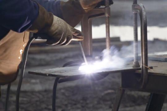 Tabla neagra, decapata, zincata lisa si cutata de la Metaled Steel Materials Srl