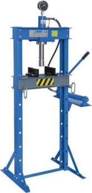Presa hidraulica pentru ateliere mecanice P001/20 de la Proma Machinery Srl.
