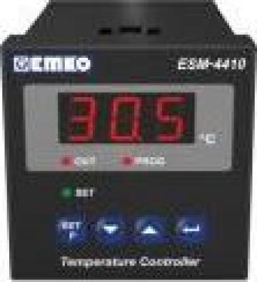 Regulator de temperatura ESM-4410 de la Rombest Automation & Controls Srl