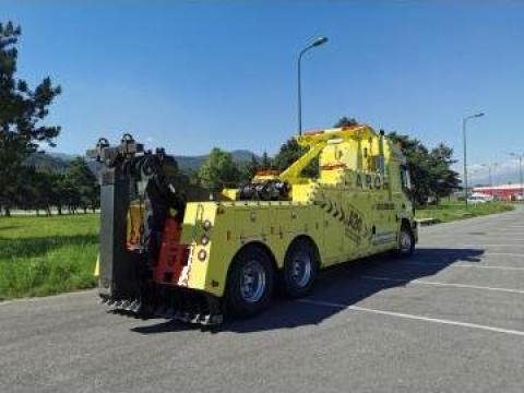 Tractare auto cu macara si transport pe platforma de la Tractari Auto Aron