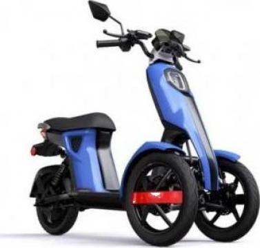 Triciclu electric, motor Bosch de la Artemis Srl