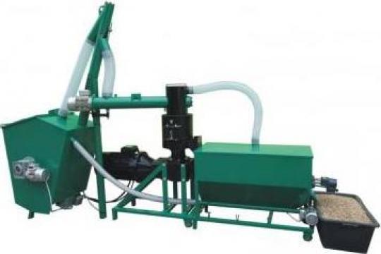 Masina universala de fabricat peleti de la Rofelix Univers Srl