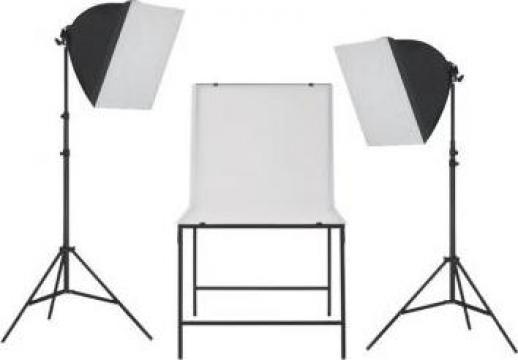 Kit studio foto cu iluminare softbox si masa foto