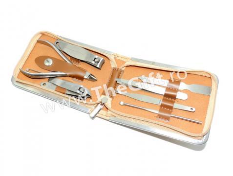 Trusa pentru manichiura, 7 accesorii, cutie eleganta de la Thegift.ro - Cadouri Online