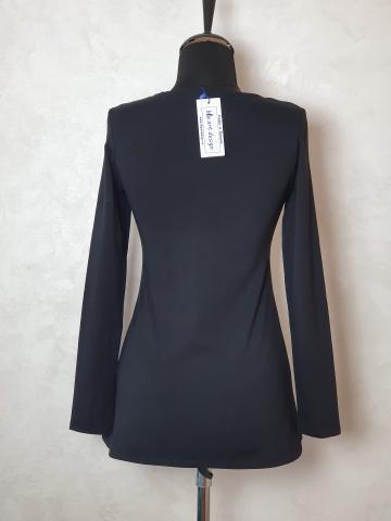 Bluza neagra tricot, cret pe bust de la Sc Blu Art Design Srl