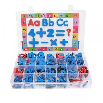 Joc de litere si cifre magnetice din spuma, tabla de scris de la Arca Hobber Srl