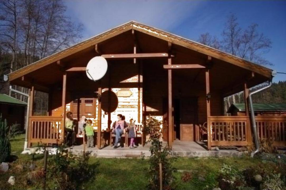 Casa familiala din lemn Sicasau izolat