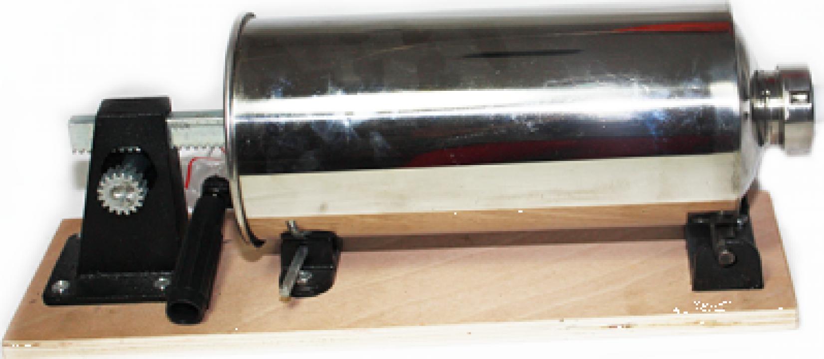 Masina de facut carnati 4litri din inox-blat lemn